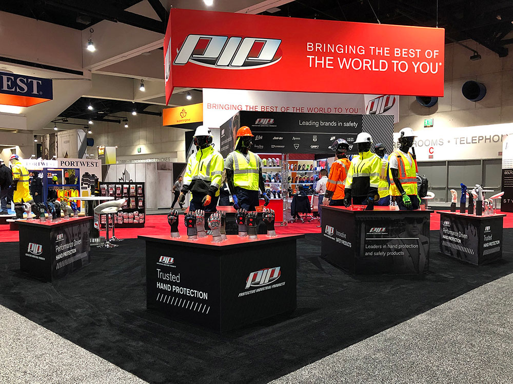 trade show exhibit for PIP with black and red colors